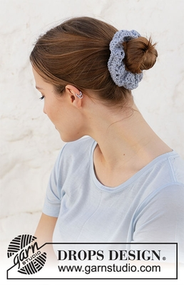 209-12 Seaside Scrunchie by DROPS Design