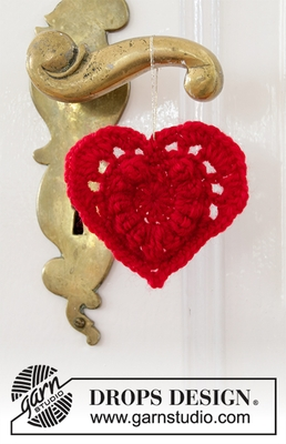 0-1447 Hanging Heart by DROPS Design