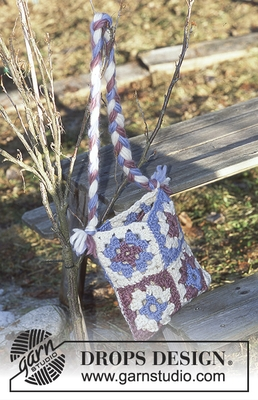 12-53 Snow Gnome Bag by DROPS Design