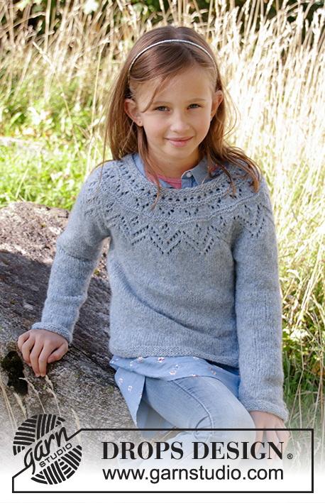 Agnes Strikket jakke til børn i DROPS Sky. Arbejdet er